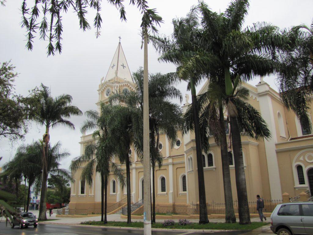 Araxán uusklassinen kirkko.